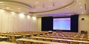 株式会社ニチイ学館 神戸ポートアイランドセンター 貸し会議室 会議室・レンタルスペース会議室 大会議室A(B)の画像